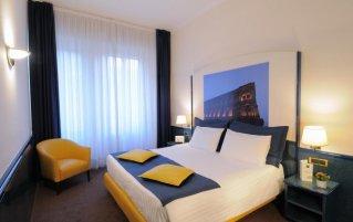 Hotel IH Milano Ambasciatori 1