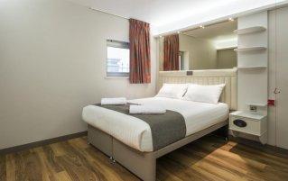 Hotel Point A Canary Wharf 1