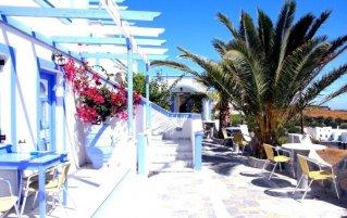 Terras van Hotel Stavros Villas op Santorini
