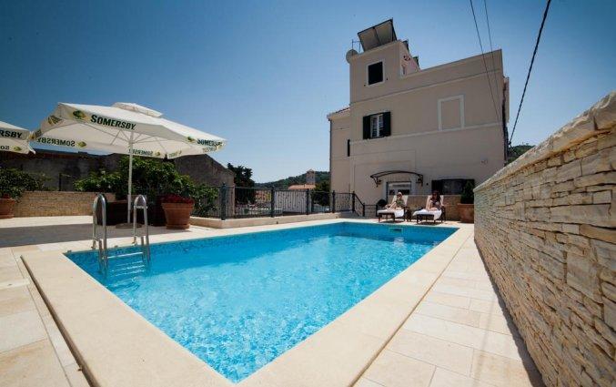 Korting Ontdek Kroatië per huurauto! Hotel Tisno
