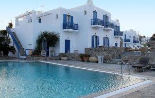 Buitenzwembad van Hotel Vienoula's Garden op Mykonos