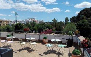 Terras van hotel Doña Manuela in Sevilla