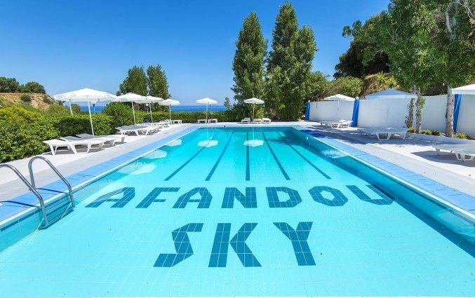 Buitenzwembad van Hotel Afandou Sky op Rhodos