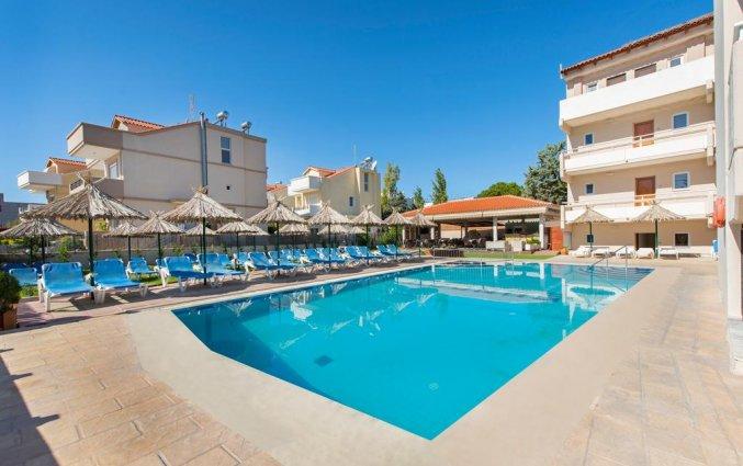 Zwembad Hotel Sunday