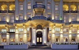 Voorkant van hotel Austria Trend Parkhotel Schönbrunn in Wenen