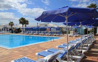 Buitenzwembad van hotel VIK Coral Beach Lanzarote