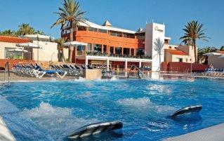 Buitenzwembad van Appartement Caybeach Caleta op Fuerteventura