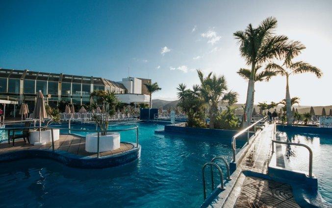 Buitenzwembad van Hotel Puerto Azul op Gran Canaria