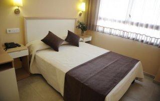 Tweepersoonskamer van hotel La City Mercado in Alicante