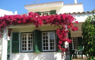 Gebouw van Apartamentos Las Brisas I & II op Menorca