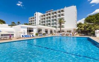 Buitenzwembad van Hotel Globales Lord Nelson op Menorca
