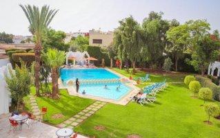 Terras en buitenzwembad van Hotel Senator Agadir