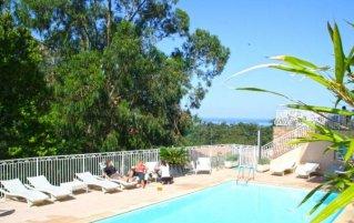Buitenzwembad van Hotel Capo D'orto op Corsica