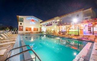 Buitenzwembad van Hotel Canadian op Zakynthos