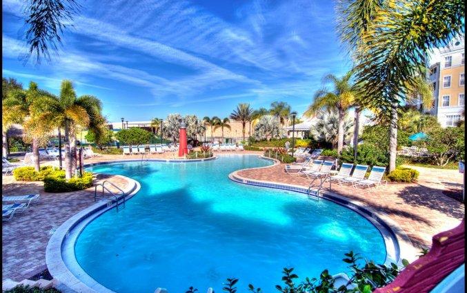 Zwembad van resort Calypso Cay Villas