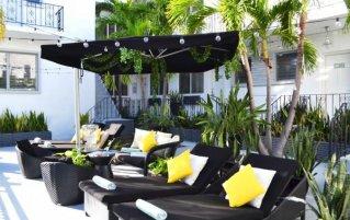 Ligstoelen van appartement Beachside
