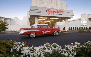 Vooraanzicht van Resort Tropicana A Doubletree By Hilton & Casino