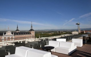 Terras van hotel Exe Moncloa Madrid
